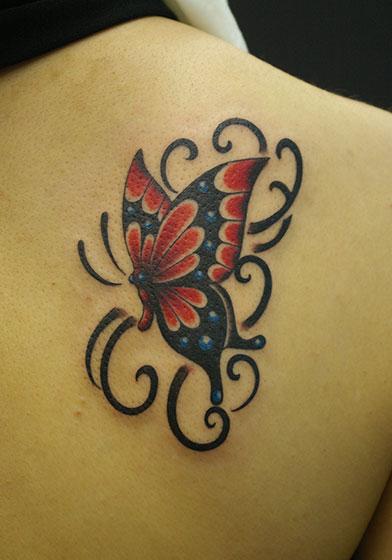 タトゥー 蝶々