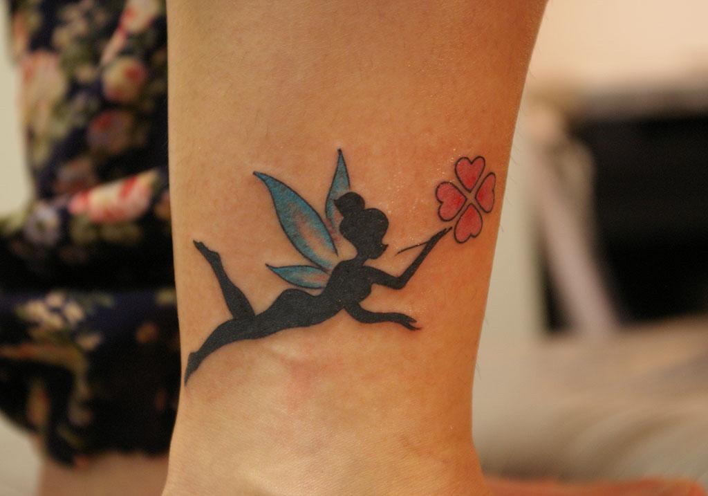 妖精と四つ葉のクローバー