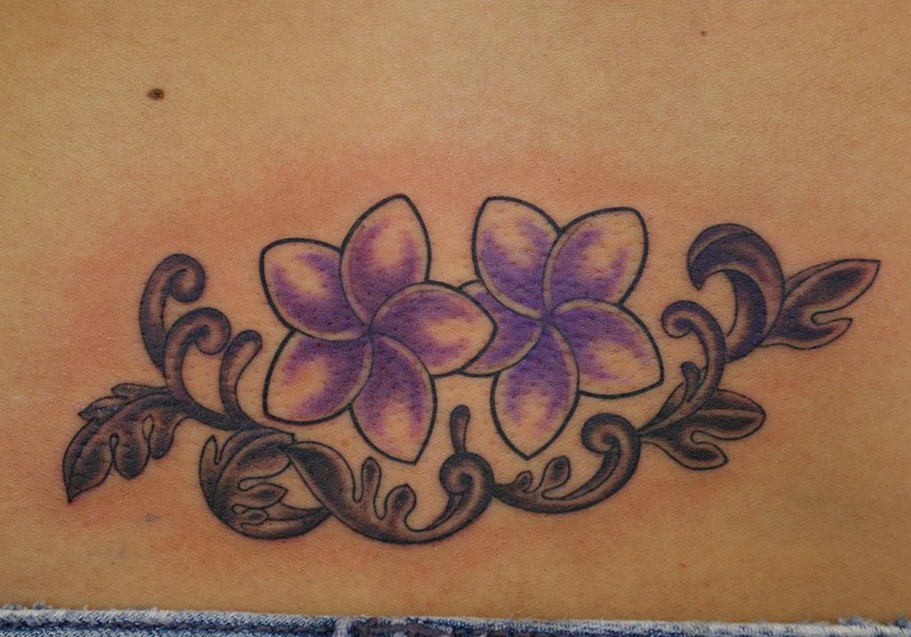 紫のプルメリア