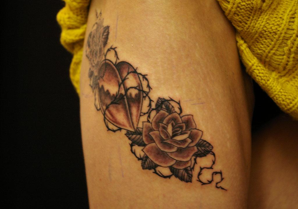 薔薇とハート右側