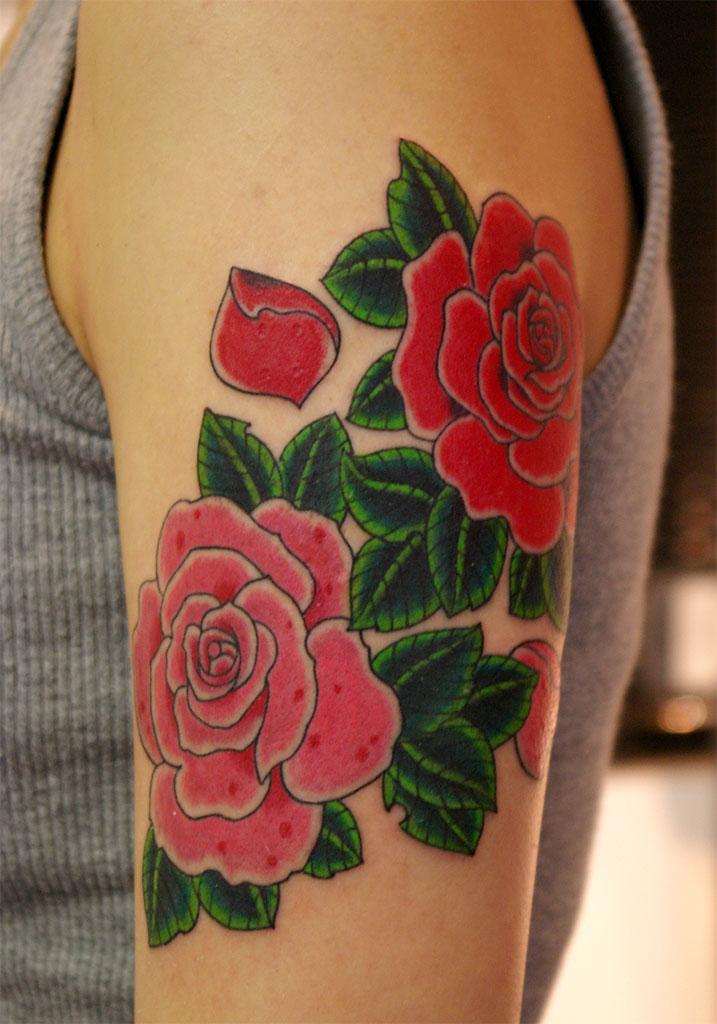 赤とピンクの薔薇の前側