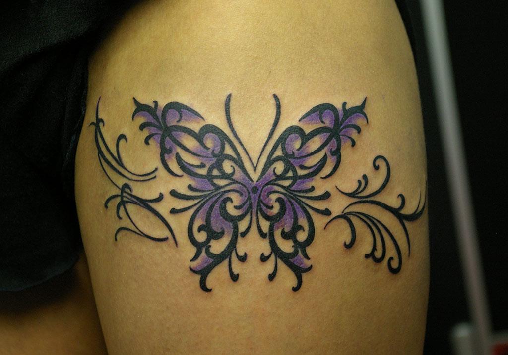 紫の蝶のトライバル