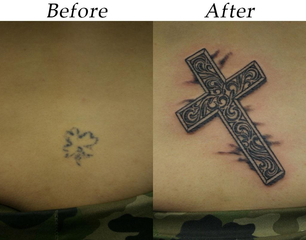 装飾した十字架のカバーアップ