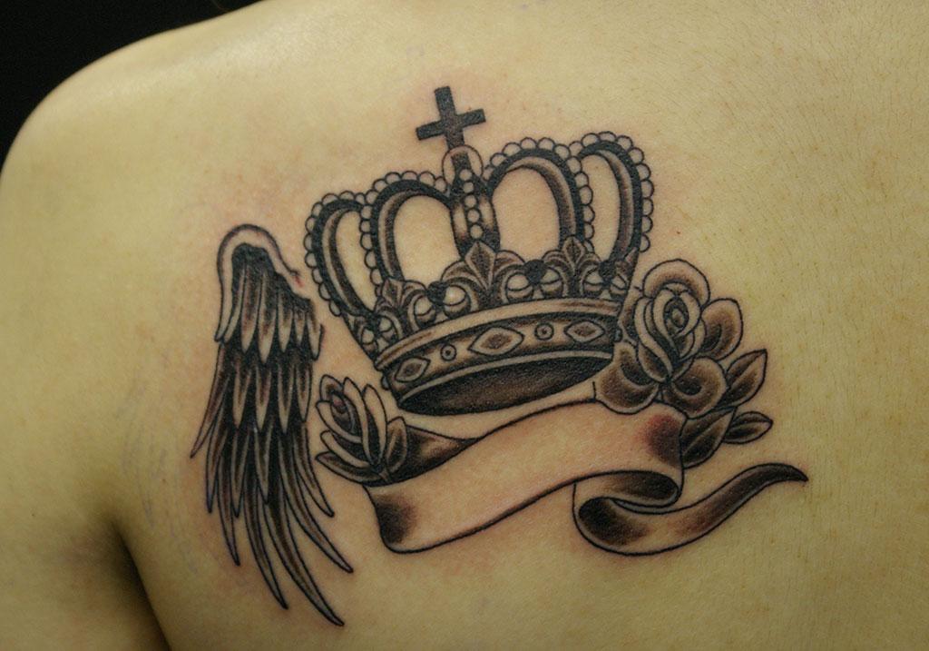 王冠と薔薇と翼