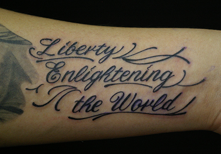 筆記体「Liberty Enlightening the World」