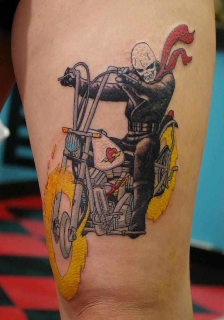 バイクに乗る魔人