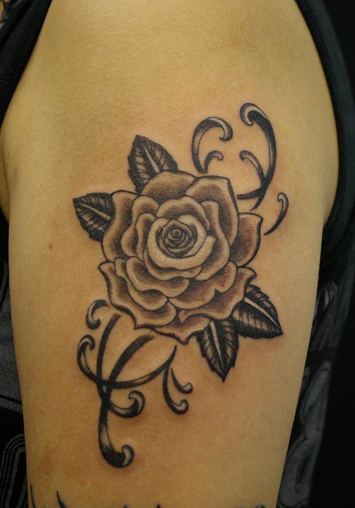 薔薇と飾り
