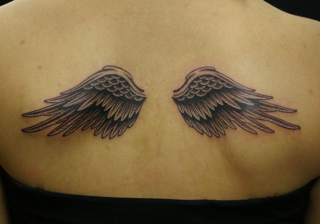 立体感のある翼